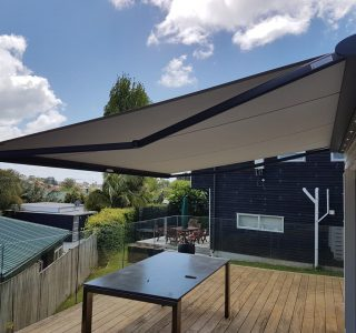 retractable outdoor shelter