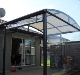 Crank Handle Screens clear PVC Residential 19 320x300 - Fixed Panel Screens / Wind Break