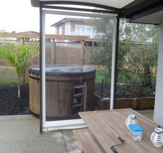 Crank Handle Screens clear PVC Residential 34 320x300 - Fixed Panel Screens / Wind Break