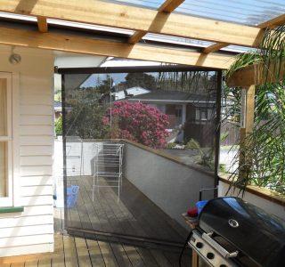 Crank Handle Screens mesh Residential 12 320x300 - Fixed Panel Screens / Wind Break