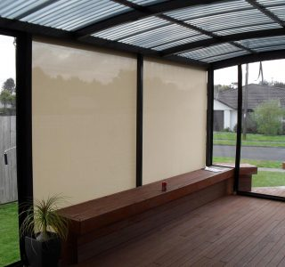 Crank Handle Screens mesh Residential 14 320x300 - Crank Screens / Roller Blinds / Outdoor Curtains
