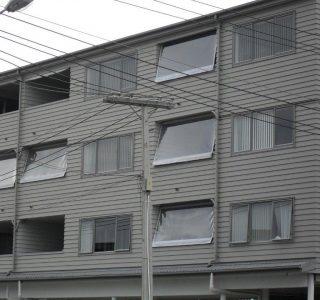 Crank Handle Screens mesh Residential 2 320x300 - Fixed Panel Screens / Wind Break