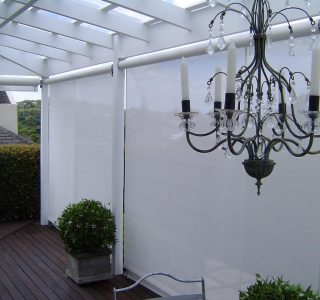 Crank Handle Screens mesh Residential 6 320x300 - Fixed Panel Screens / Wind Break