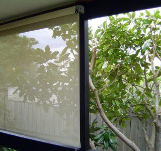Crank Handle Screens mesh Residential 7 320x300 - Fixed Panel Screens / Wind Break