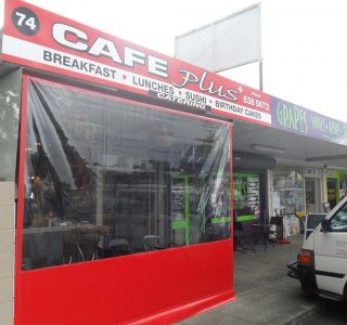 Crank Screen clear PVC Commercial Cafe Plus 320x300 - Crank Screens / Roller Blinds / Outdoor Curtains