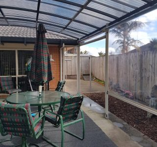 Fixed Frame Canopy and Screens Residential 1 320x300 - Fixed Frame Polycarbonate Canopies