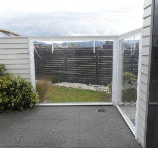 Hand Rolled Screens clear PVC Residential 28 320x300 - Fixed Panel Screens / Wind Break