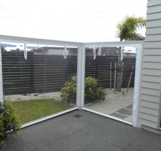 Hand Rolled Screens clear PVC Residential 31 320x300 - Fixed Panel Screens / Wind Break