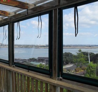 Hand Rolled Screens clear PVC Residential 50 320x300 - Crank Screens / Roller Blinds / Outdoor Curtains