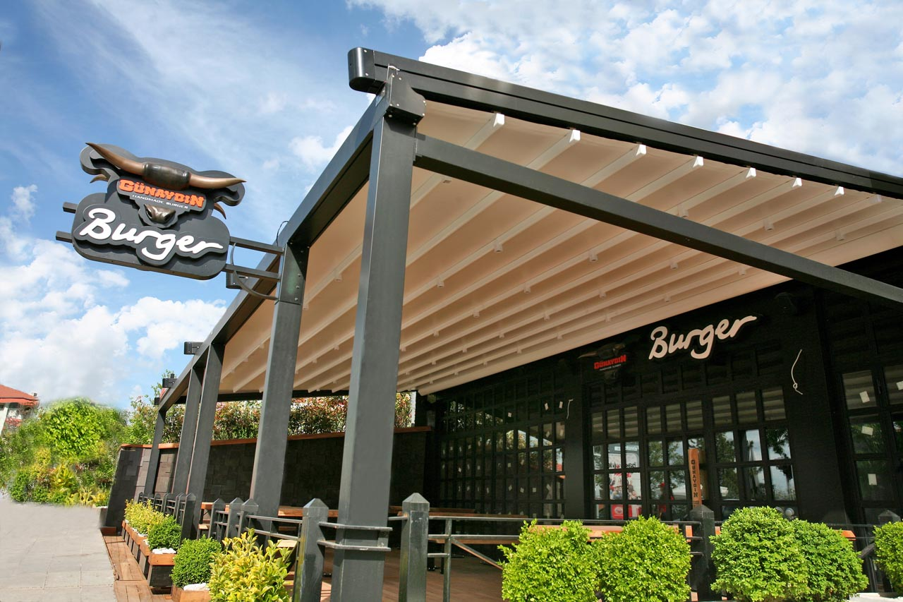 Retractable Pergola Roofs Increase Your Living Space