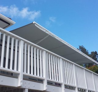 Retractable Awning Classic 1 320x300 - The 'Santana' Classic