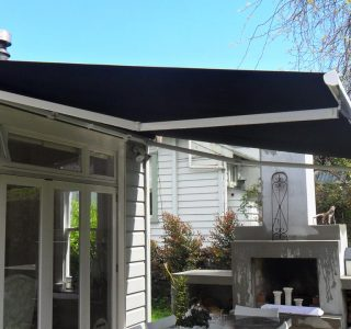 Retractable Awning Classic 10 320x300 - The 'Santana' Classic