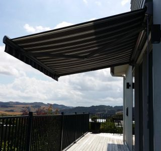 Retractable Awning Classic 69 320x300 - The 'Santana' Classic