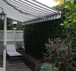 Retractable Awning Classic 7 320x300 - The 'Santana' Classic
