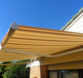 Retractable Awning Classic 70 320x300 - The 'Santana' Classic