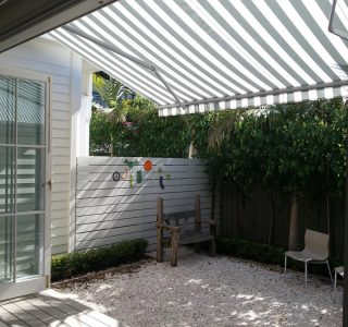 Retractable Awning Classic 71 320x300 - The 'Santana' Classic