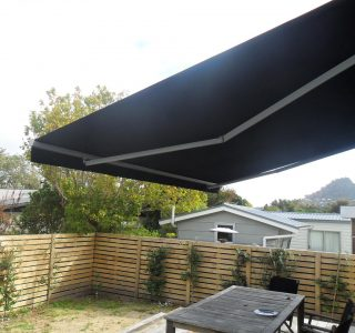 Retractable Awning Classic 75 320x300 - The 'Santana' Classic