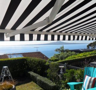 Retractable Awning Classic 88 320x300 - The 'Santana' Classic