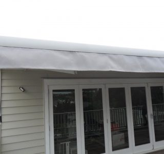 Retractable Awning Classic 89 320x300 - The 'Santana' Classic