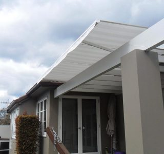 Retractable Awning Classic 93 320x300 - The 'Santana' Classic
