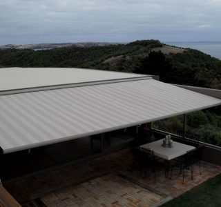 Retractable Awning Classic Delamore Lodge Waiheke Island  320x300 - The 'Santana' Classic