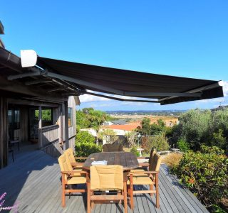 Retractable Awning Classic In front of gutter mount 11 320x300 - The 'Santana' Classic