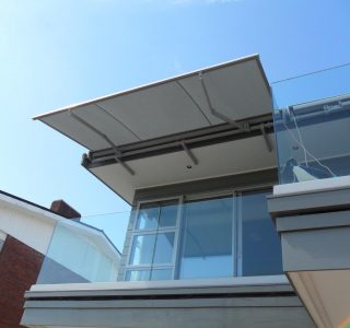 Retractable Awning Classic In front of gutter mount 2 320x300 - The 'Santana' Classic