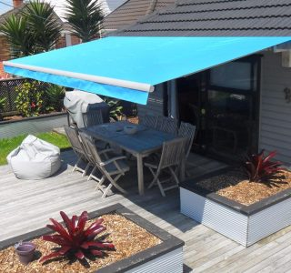 Retractable Awning Classic In front of gutter mount 8 320x300 - The 'Santana' Classic