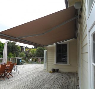 Retractable Awning Classic Wall Mount 9 320x300 - The 'Santana' Classic