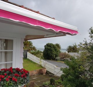 Retractable Awning Classic in front of gutter mount 1 2 320x300 - The 'Santana' Classic