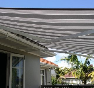 Retractable Awning Classic in front of gutter mount 1 4 320x300 - The 'Santana' Classic