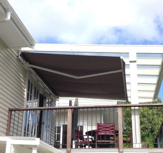 Retractable Awning Classic wall mount 1 5 320x300 - The 'Santana' Classic