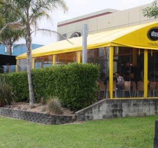 TMS Hand Rolled Screens clear PVC Commercial Altura Cafe 320x300 - Fixed Panel Screens / Wind Break