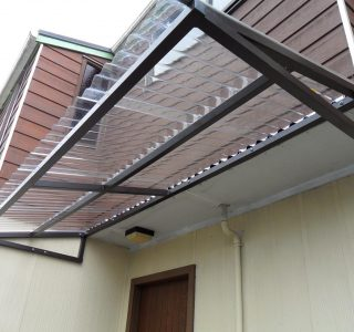 Wedge Awning Residential 10 320x300 - Fixed Frame Polycarbonate Canopies