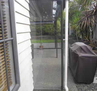 Ziptrak Screens clear PVC Residential 22 320x300 - Fixed Panel Screens / Wind Break