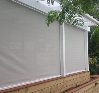 Ziptrak Screens mesh Residential 49 320x300 - Crank Screens / Roller Blinds / Outdoor Curtains