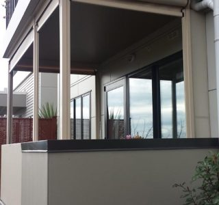 Ziptrak Screens mesh Residential 51 320x300 - Crank Screens / Roller Blinds / Outdoor Curtains
