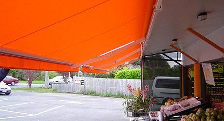 retractable awnings 460 - Retail