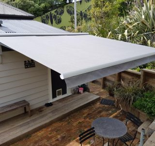 Auckland deck retractable awning